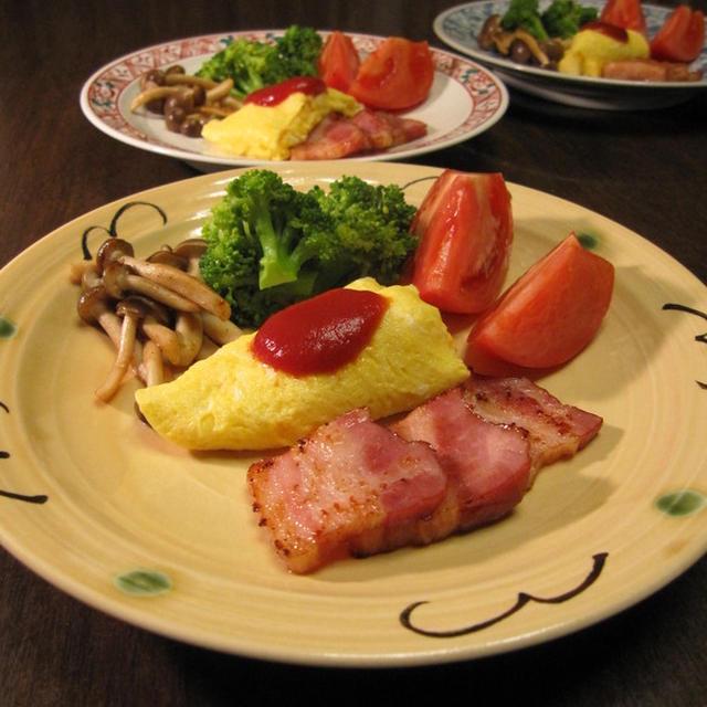 オムレツのある朝食