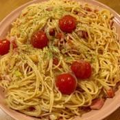 ベーコンとネギのハーブたっぷりトマトパスタ