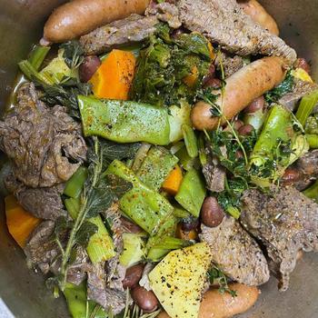牛肉と根菜のハーブ蒸し チリパウダー