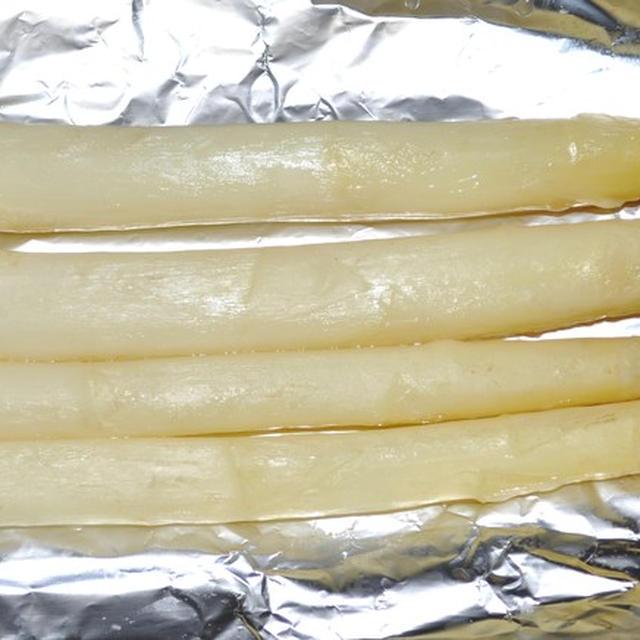 炭火で作る『ホワイトアスパラガス』のホイル焼