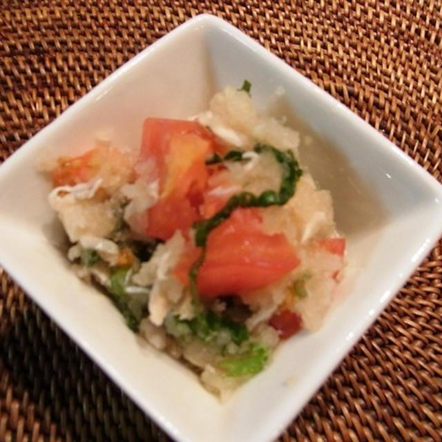 べっぴんサラダ(トマトと大根おろしと蒸し鶏のサラダ)
