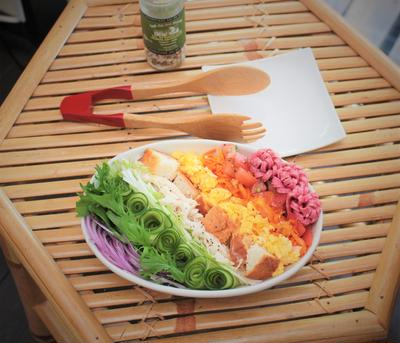 一皿で栄養満点コンプリートお食事サラダ!