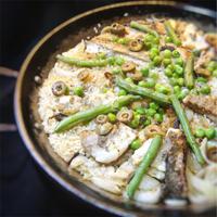 白だしを使って炊いた、和風、鯛ののパエリア
