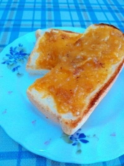 簡単にできて驚くほどのおいしさ☆柿クリームトースト