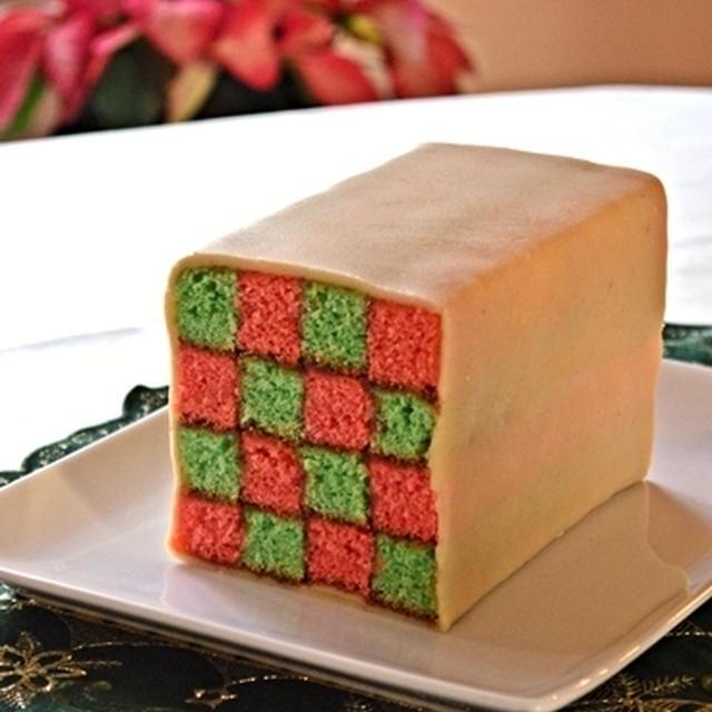 クリスマスカラーのバッテンバーグケーキ