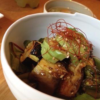 カフェ風夏野菜のベジ丼