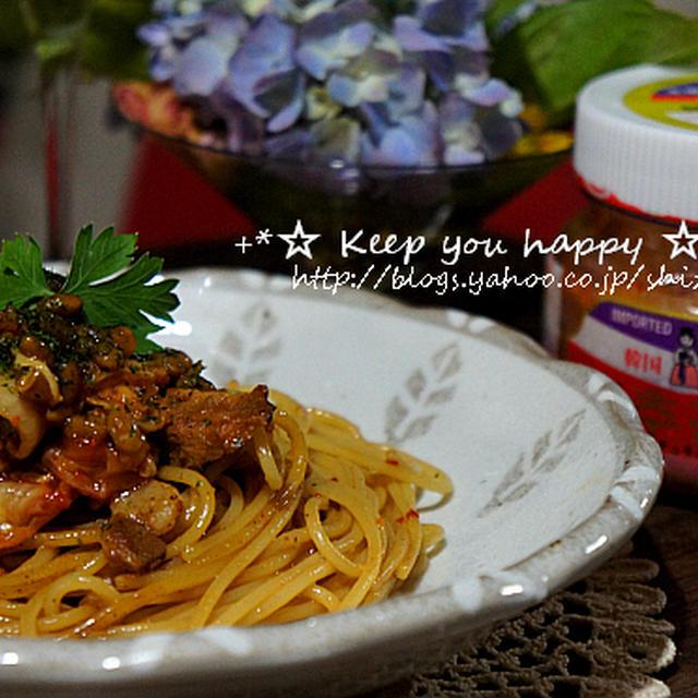 +*韓国農協キムチで醬油麹漬肉と納豆パスタ+*