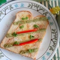グリーンカレー味トースト♪エスニック味ペーストが便利!