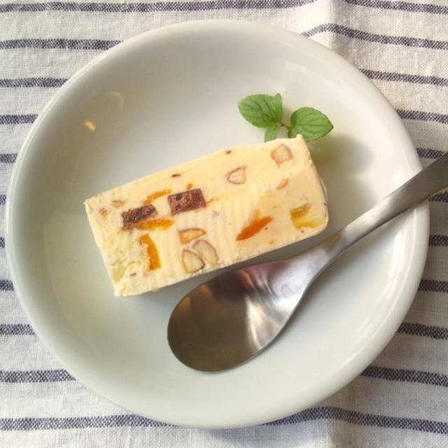 水切りヨーグルトと市販のアイスクリーム、金柑の甘煮で、カッサータ風アイス