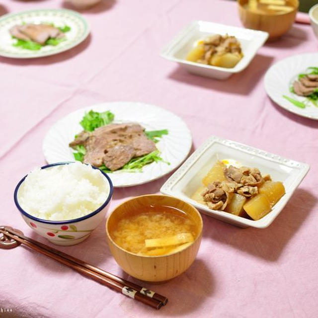 豚バラ大根のお醤油煮とシナモン風味のドライ柿