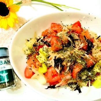 塩昆布とバジルで簡単!トマトサラダ