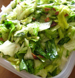 生レタスで作り置き?目からウロコの簡単すぎるレタスサラダ