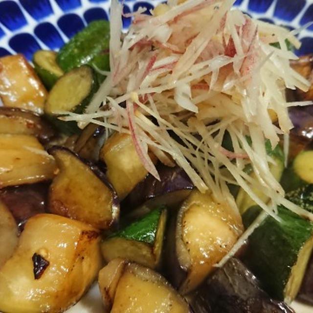 茄子ときゅうりの醤油炒め、茗荷と生姜を添えて