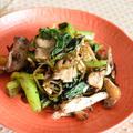 小松菜と焼ききのこのゆかり塩昆布和え。作りおきにもぴったり、簡単でヘルシーな箸休め。 by akkeyさん