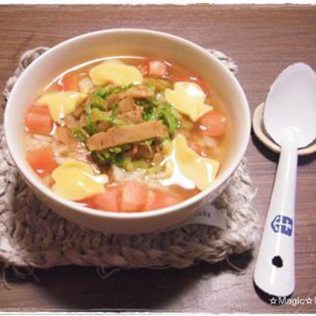 キャベツとベーコンのカレートマト風味スープかけごはん