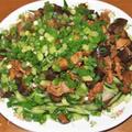 茄子の山盛りジャージャー麺&小タマネギのスープ煮