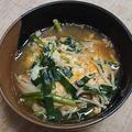 ニラとエノキダケの卵とじ汁