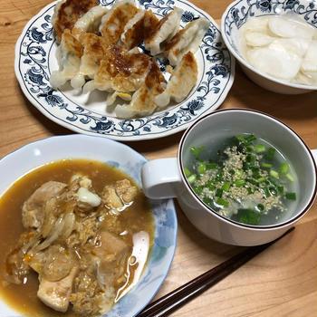 親子丼&ギョーザ&中華スープ&かぶの甘酢漬け♪