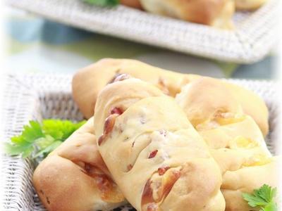 >チーズベーコンパン。と 朝ごはん。 by YOMEさん