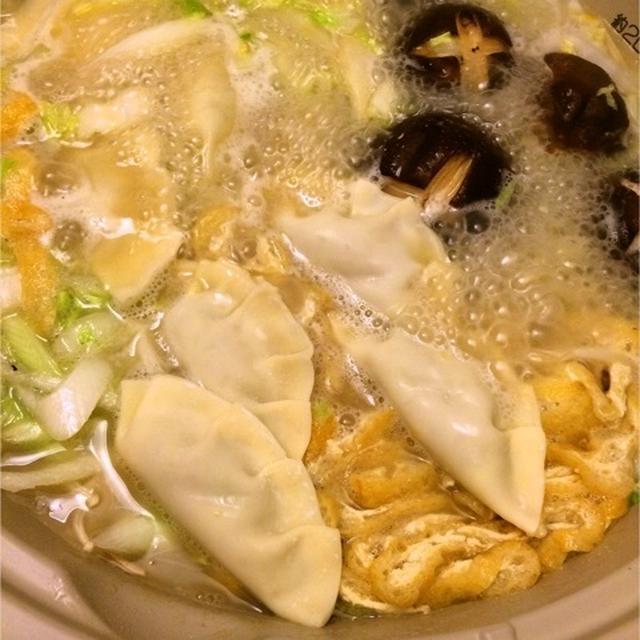 あごだし+鶏白湯♡市販の材料で塚田農場風炊き餃子鍋♩