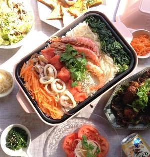 ホットプレートで海鮮ビビンバと韓国ディナー