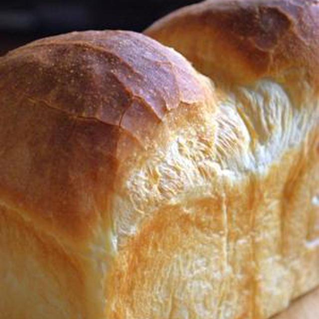 温泉水99 de ピキピキ食パン