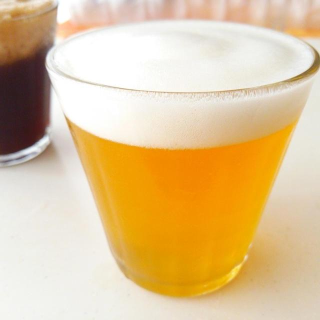 子供ビール《パーティーにりんごジュースやコーラでビール風・本物に負けないクリーミーな泡レシピ》