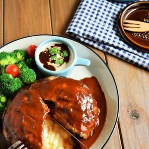 楽チンおいしいメイン料理!ポリ袋でもみもみ「ハンバーグ」