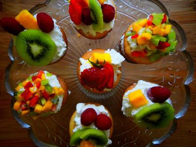 フルーツショートケーキ風カップケーキ-fruits cupcakes-