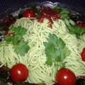 夏にさっぱり!グリーン麺の海藻サラダ仕立