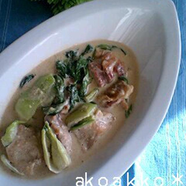 鶏肉とチンゲン菜のゴマ豆乳ソース和え