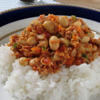 栄養満点で簡単で旨味もたっぷり♪サバ缶と大豆のクイックトマトキーマカレー