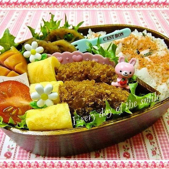 レンコンのおかか煮とメンチカツで本日(11/2)のお弁当♪