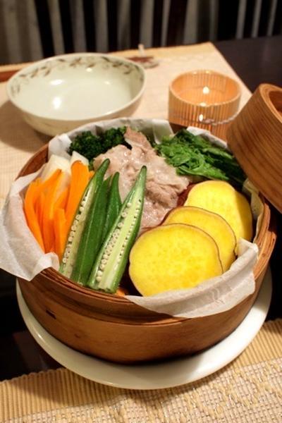 豚バラ肉と野菜のせいろ蒸し