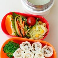 5月29日 木曜日 カレー風味のコールスロー&椎茸と鰹そぼろのロールサンドイッチ