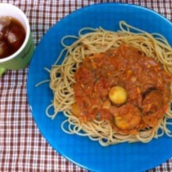 茄子と秋刀魚のトマトソースパスタ