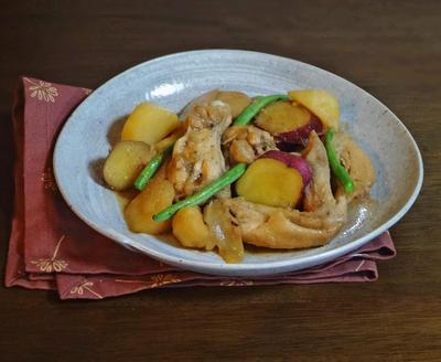鶏手羽と3種のおいものほっこり煮物