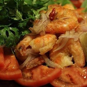 やみつき必至!エビを贅沢に使った魅惑のエスニック料理7選