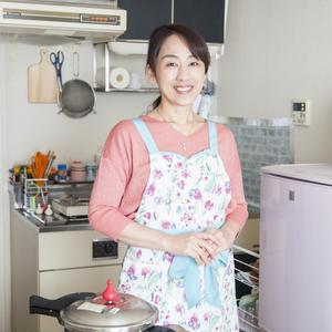 ワンルームのキッチンでお料理教室を開催!圧力鍋研究家 さいとうあきこさんの「世界一楽しいわたしの台所」