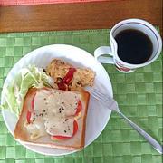 トマトチーズトーストとキノコのオムレツで、 朝ごパン~♪ by 玲子さん