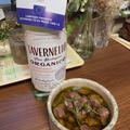 砂肝ニンニクオイル漬とイタリアの白、タヴェルネッロオルガニコ