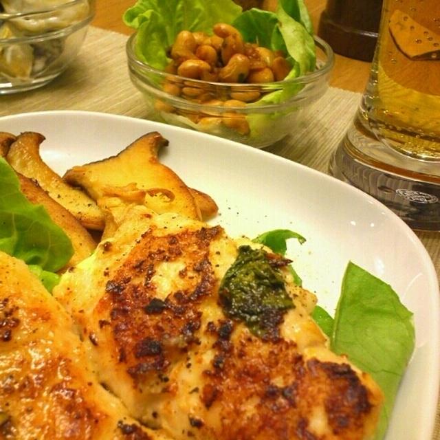 鶏ささみのスイートバジルとマヨ粒マスタード焼き、にんにくオイルでしっとりこんがりエリンギ焼き