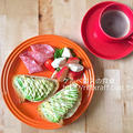 アボカドのオープンサンドな朝食