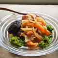 椎茸の出汁でうま!~ベーコンと干し大根のめんつゆ煮(常備菜)~ by YUKImamaさん