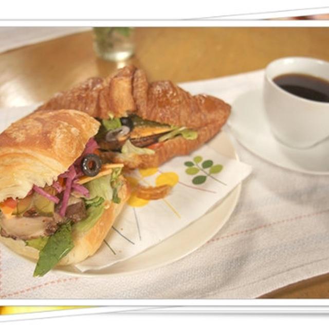 ランチはミニフランス&クロワッサンサンドイッチ