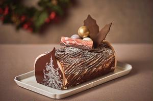 クリスマスを代表するケーキ「ブッシュ・ド・ノエル」を、ホテルオークラ東京伝統のレシピで召し上がれ♪2...