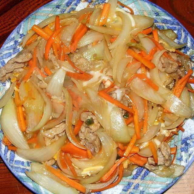 豚とタマネギの甘辛卵とじ&味噌風味ブリ大根&小松菜とエビのクリーム煮