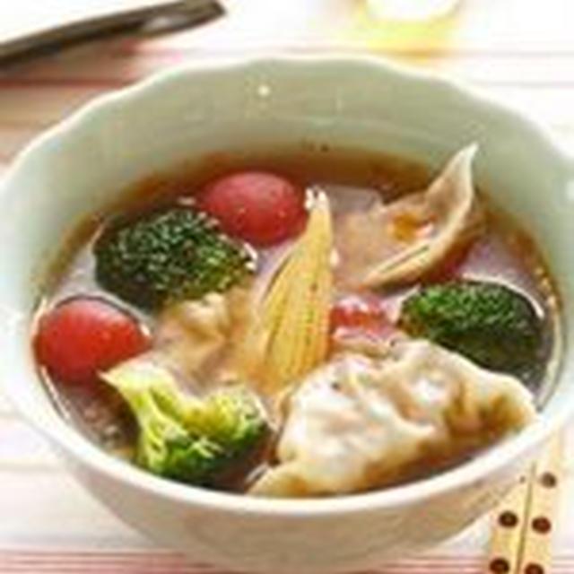 野菜ゴロゴロ酢辣スープ餃子