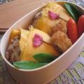 お花見に!桜のそぼろおむすび卵包み弁当