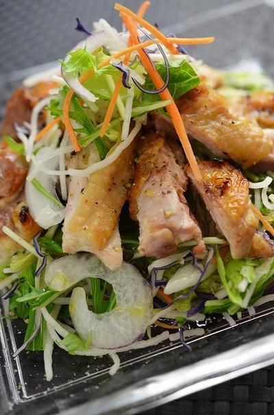 魚焼きグリルで簡単!スパイシーチキングリルサラダ